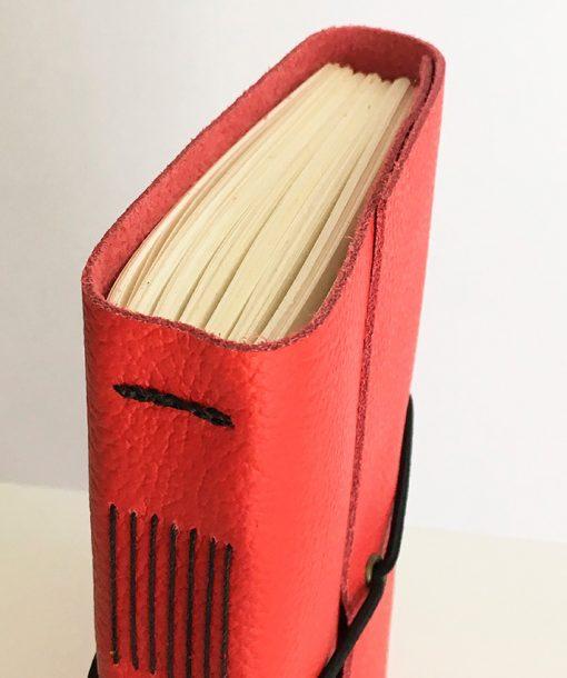 Libreta de piel - cosido long stitch - © Ala de arce