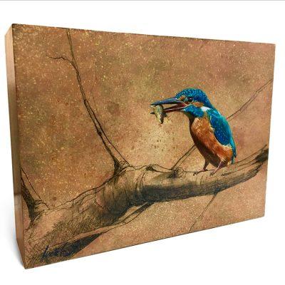 Alcedo atthis / Martín pescador común / Common kingfisher - Óleo sobre bloque de madera de mongoy / Oil painting on mongoy wood - 25,6 x 18,7 x 6,5 cm - © Lucía Gómez Serra